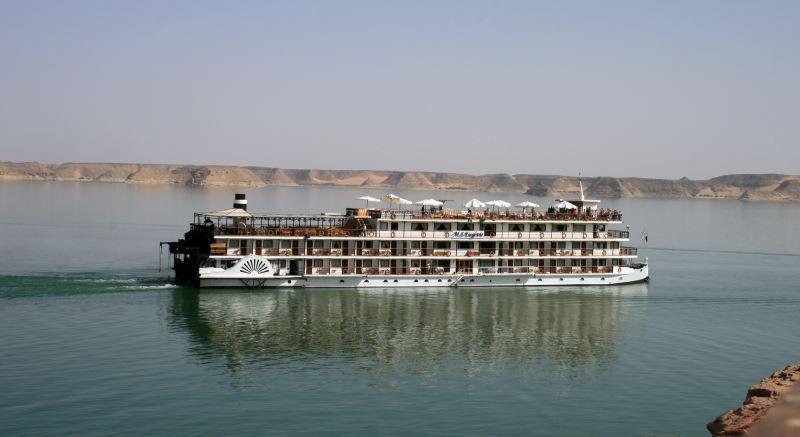 Nilkreuzfahrten führen oftmals über den Nassersee